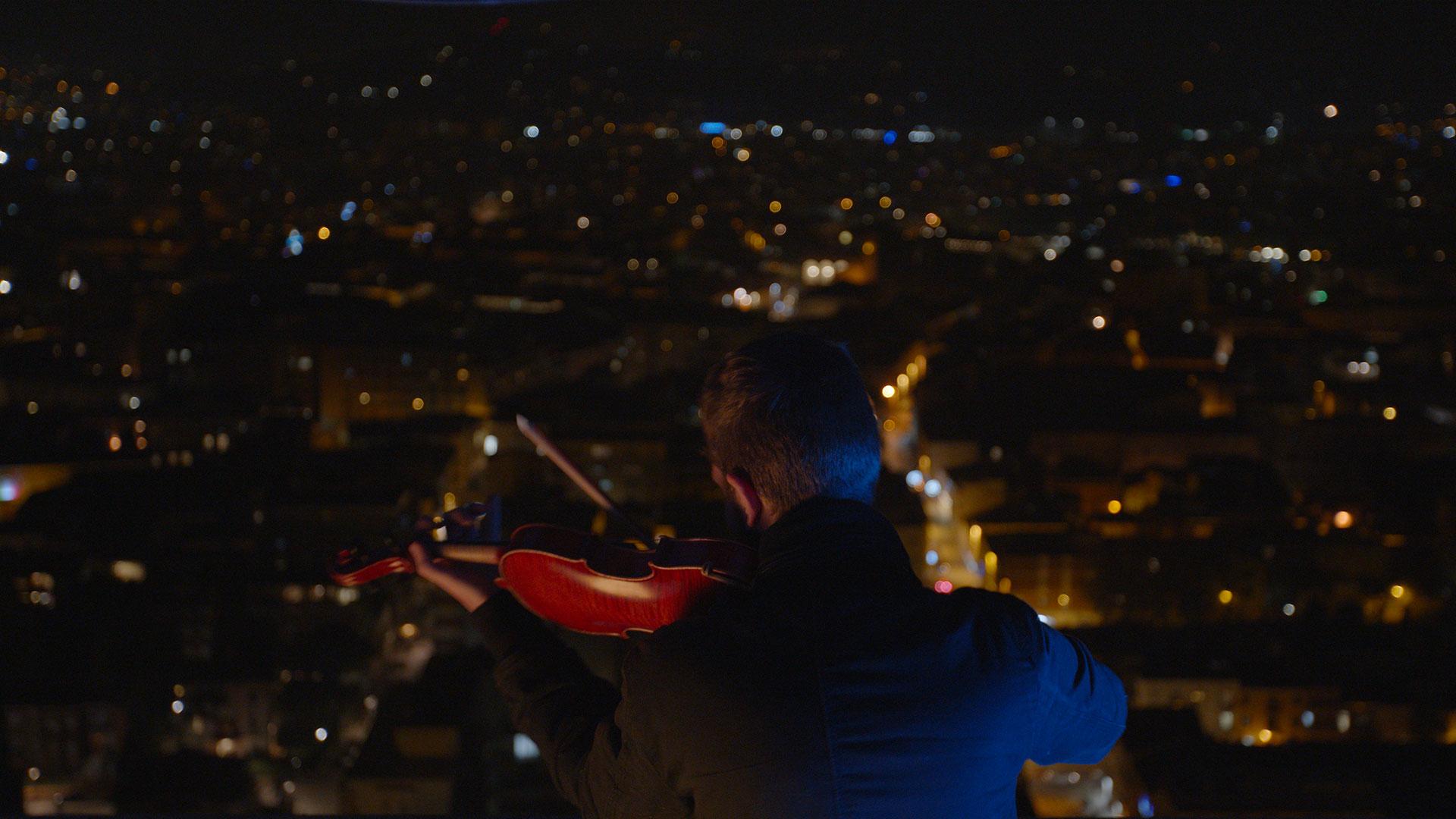 9050Il nostro nuovo video con Federico Mecozzi sopra il Grattacielo di Rimini